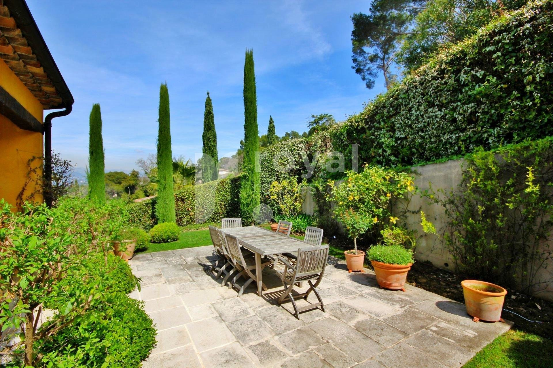 FOR RENT VILLA - MOUGINS GOLF