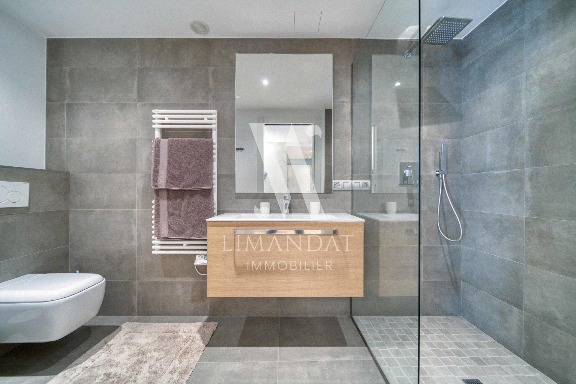 Roquebrune Cap Martin - exceptional duplex 148 m2 - terraces 81 m2 - garage - car park