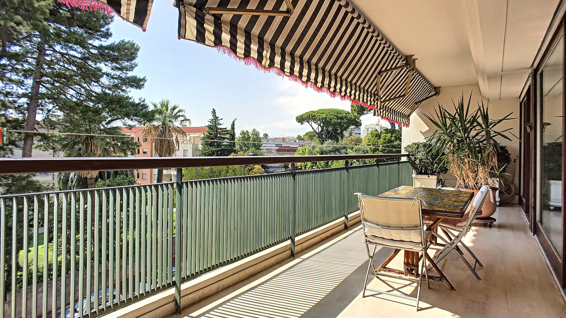 Cannes Gallia - 2 bedrooms apartment with nice terrace and garage