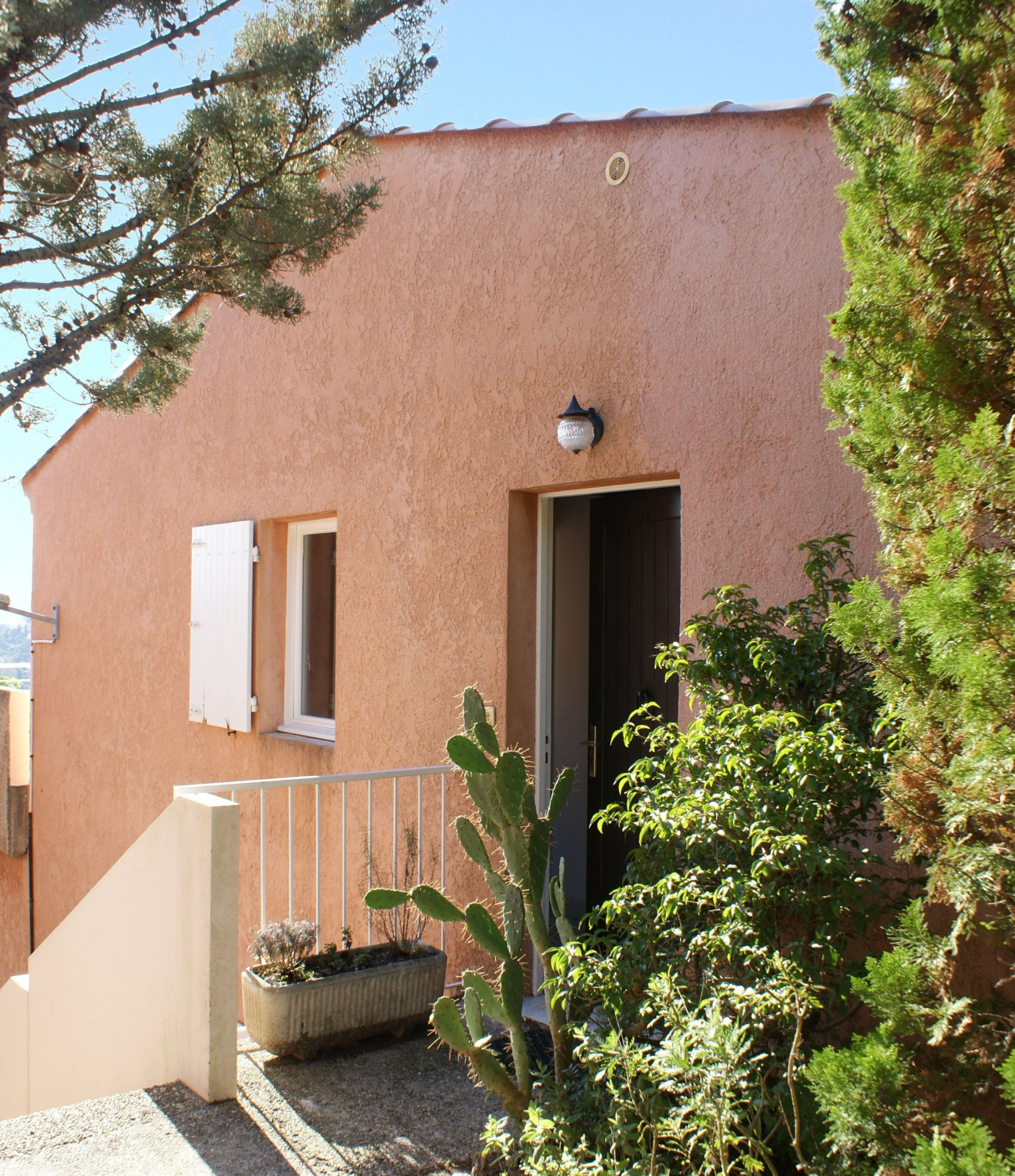 1 bedroom (2-4 sleeps), terrace with marvellous sea view  * MM 44 *