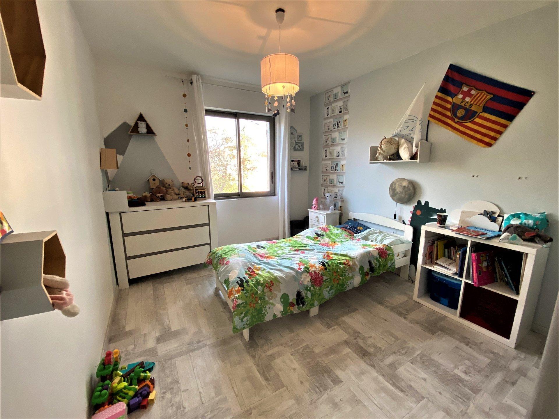ARLES - Maison avec jardin et beaux volumes