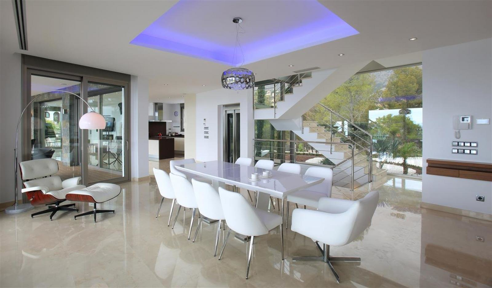 Very exclusive first line villa in Altea
