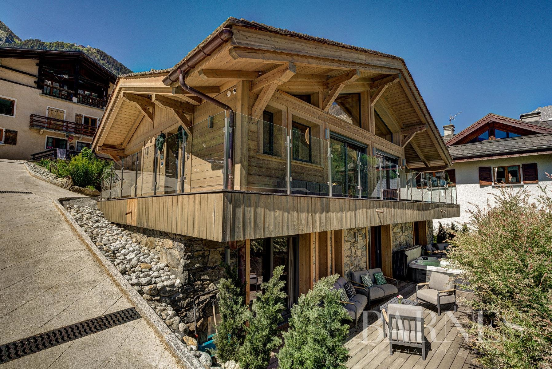 BEAUTIFUL CHALET IN MOUSSOUX Chalet in Chamonix