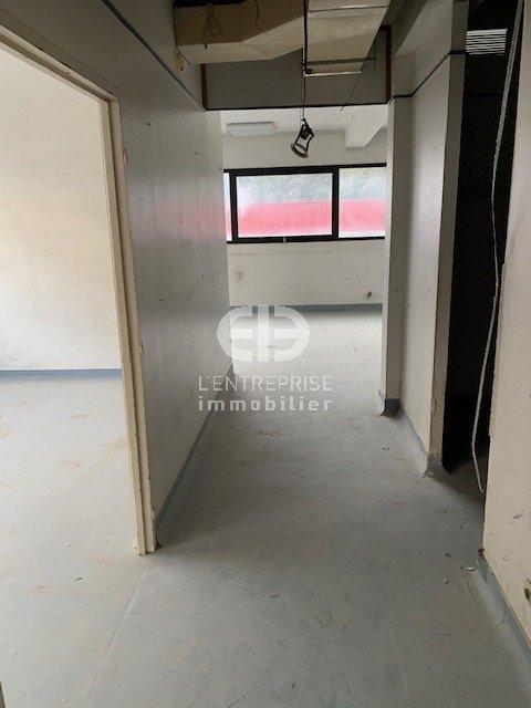 A LOUER BUREAUX 350 m2 à rénover -  NICE CANTA GALET