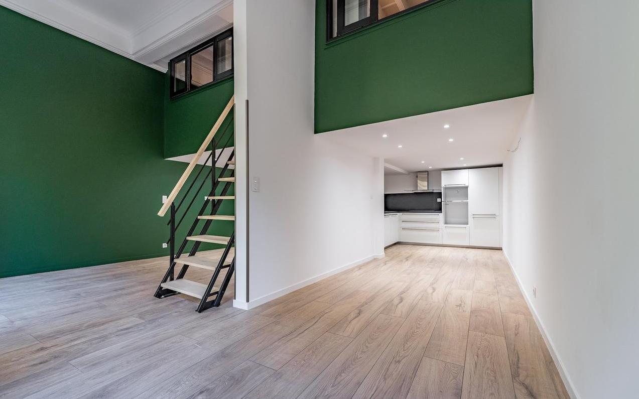 FÖRSÄLJNING Lägenhet 3 Rum 72m2 Nice Gamla Stan Nyrenoverad
