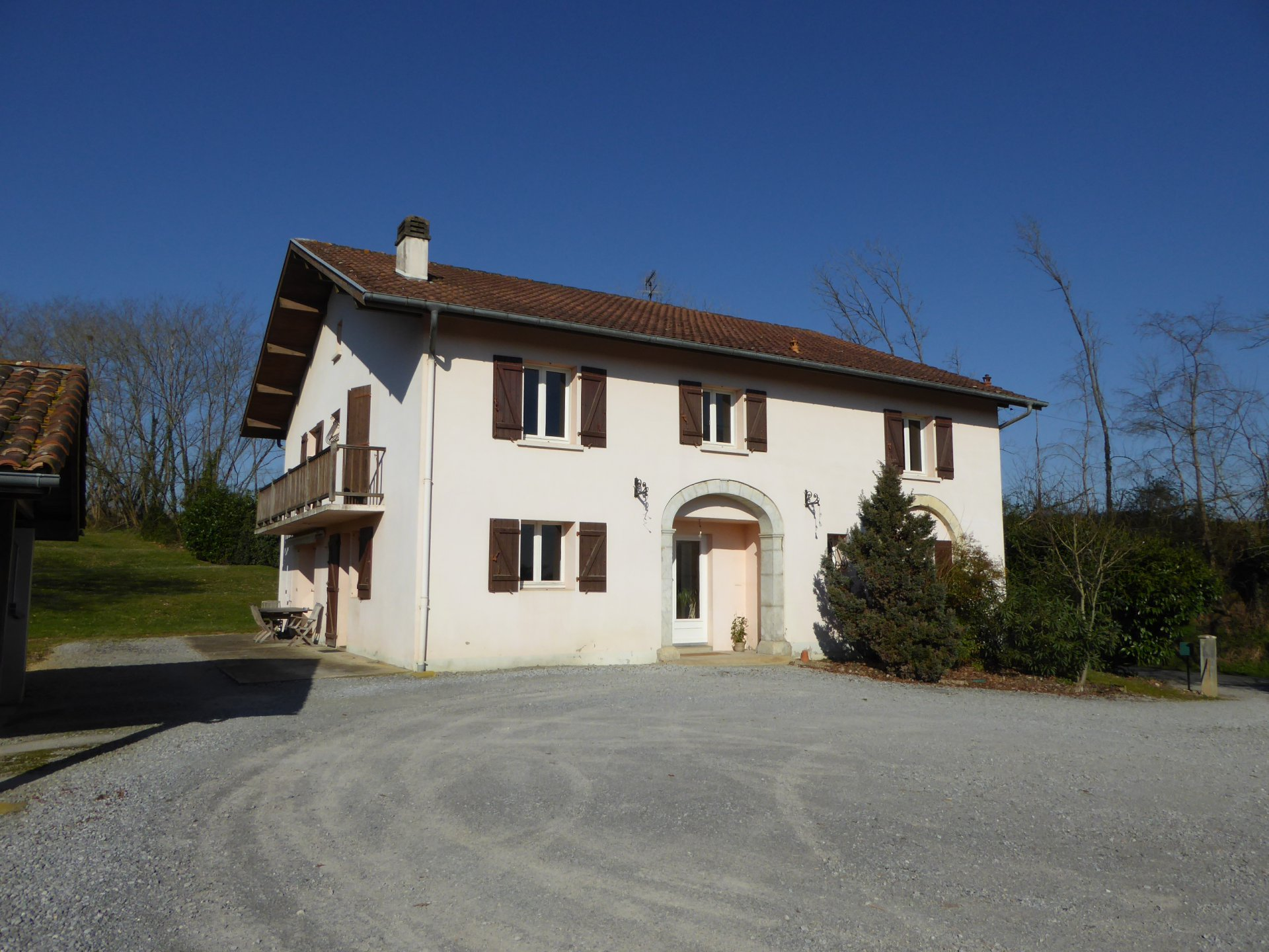 HABAS - Old Landaise farmhouse with 3500m² of land.