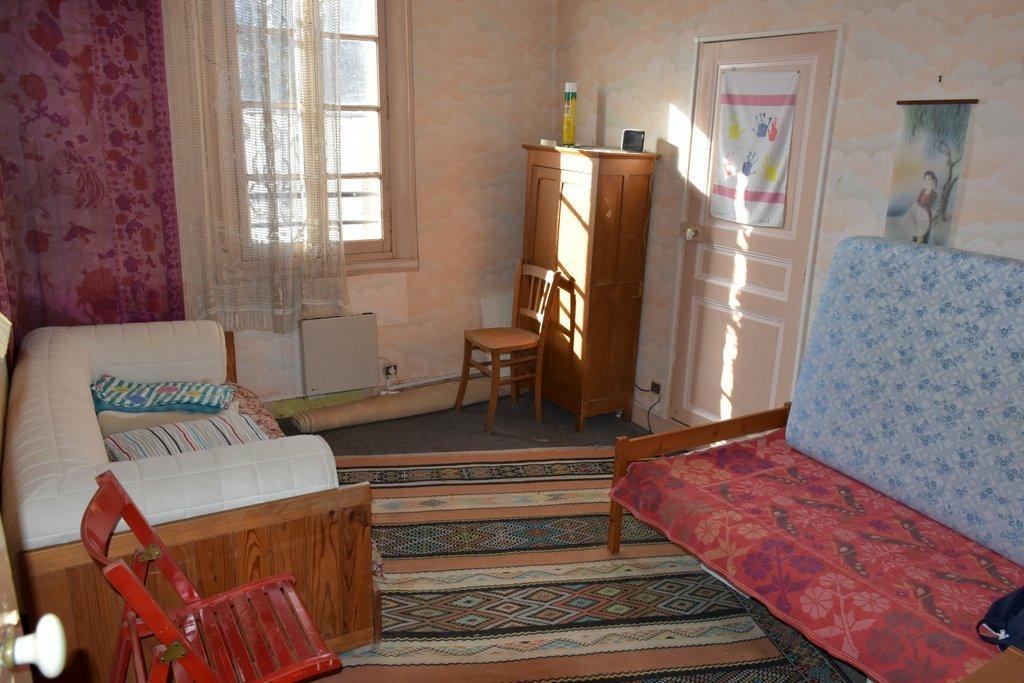 20 KMS SUD NEMOURS, maison ancienne 4 chambres