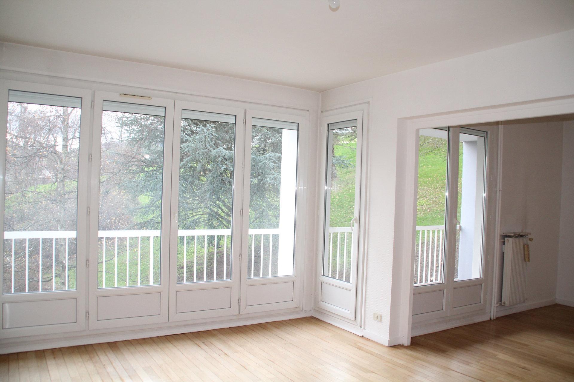 Appartement T5 96m² avec balcons