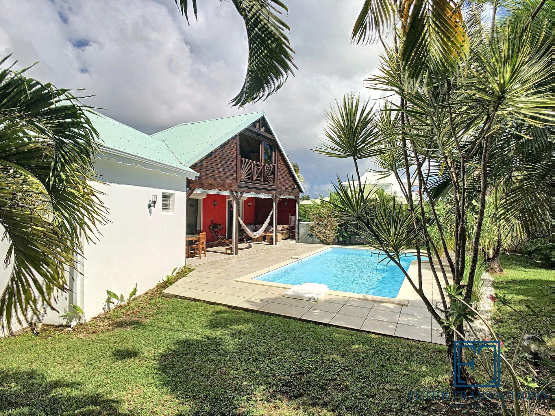 Belle villa T4 meublée vue mer et plage à pied