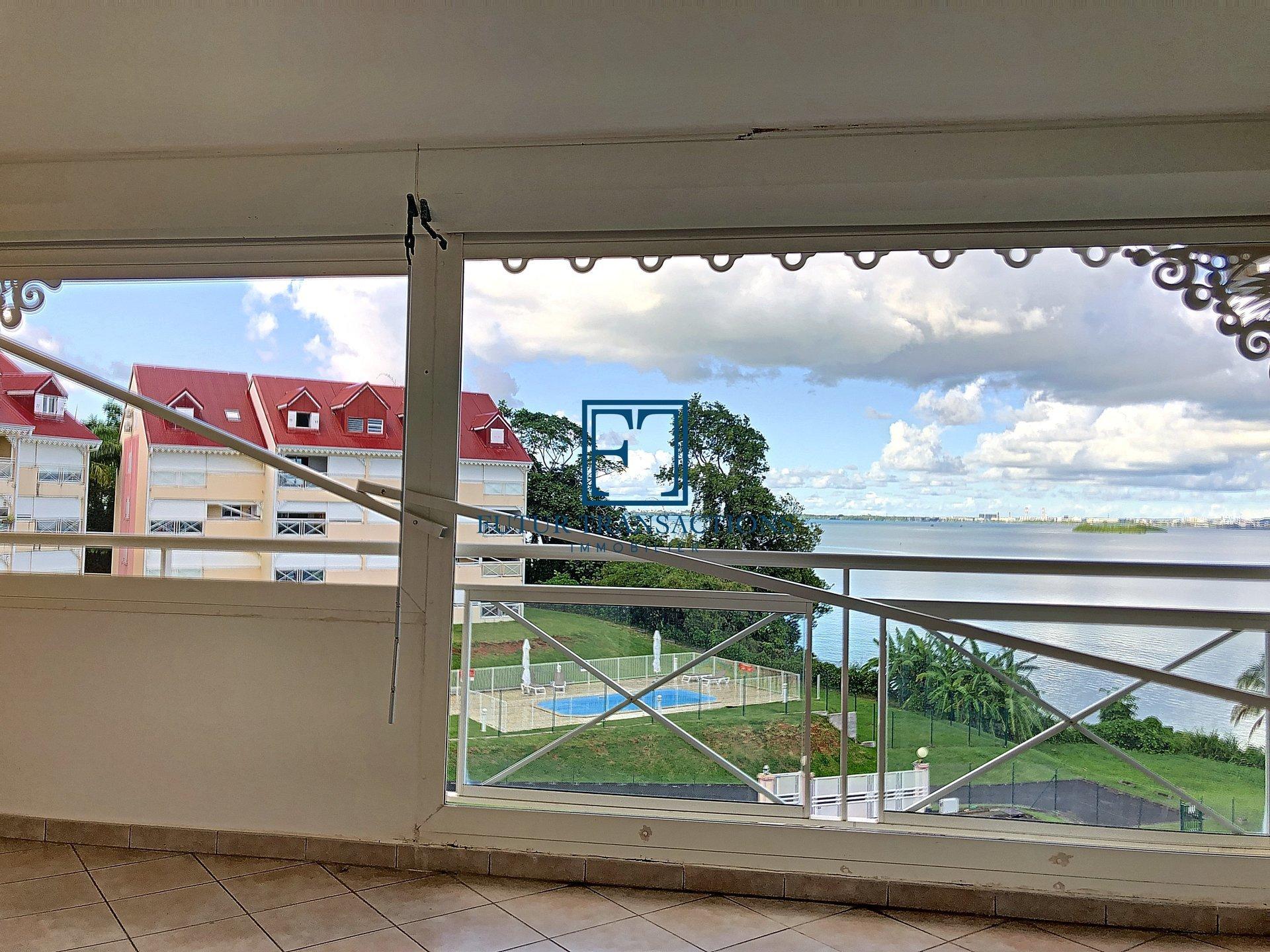T3 duplex magnifique vue mer