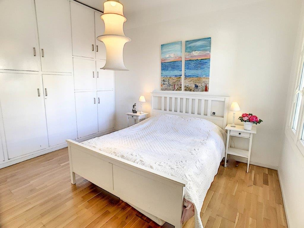 RENTING - Apartment 3 Room Nice Carré d'Or 40M2 Terrace