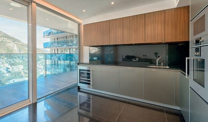 Tour Odeon - Three-bedroom apartment