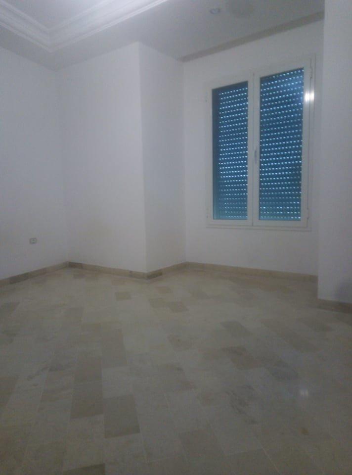 Un Appartement S+3   à louer aux jardins de carthage
