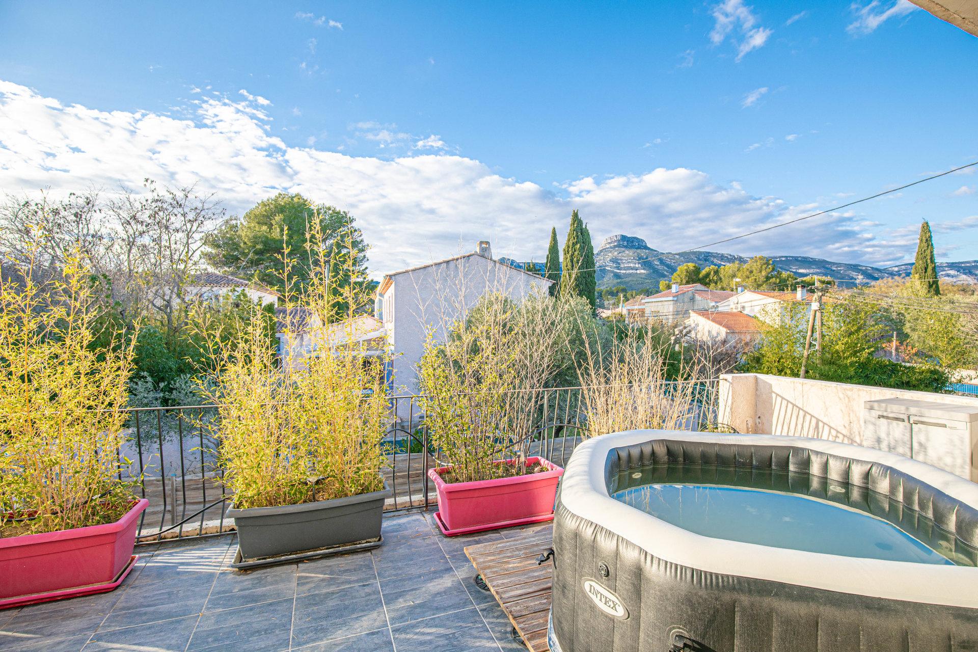 Too Cosy - Haut de Villa (156m2 mais 250m2 au sol) T5 + Piscine + Jacuzzi