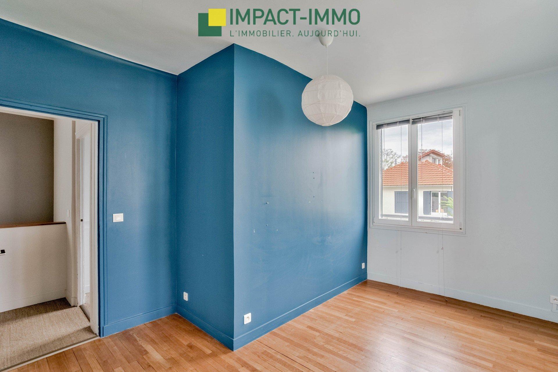Maison d'Architecte à Colombes, 6 pièce(s) 140 m2