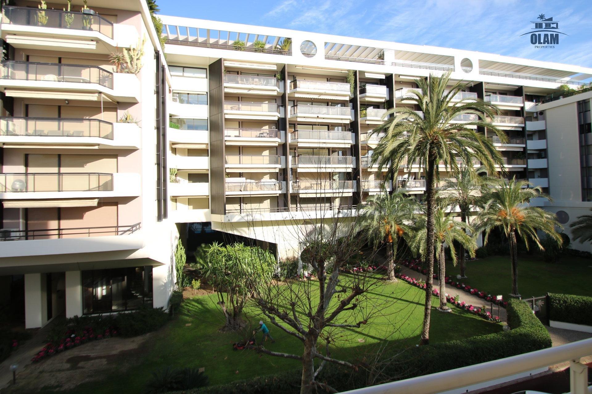 2 комнатная квартира с террасами