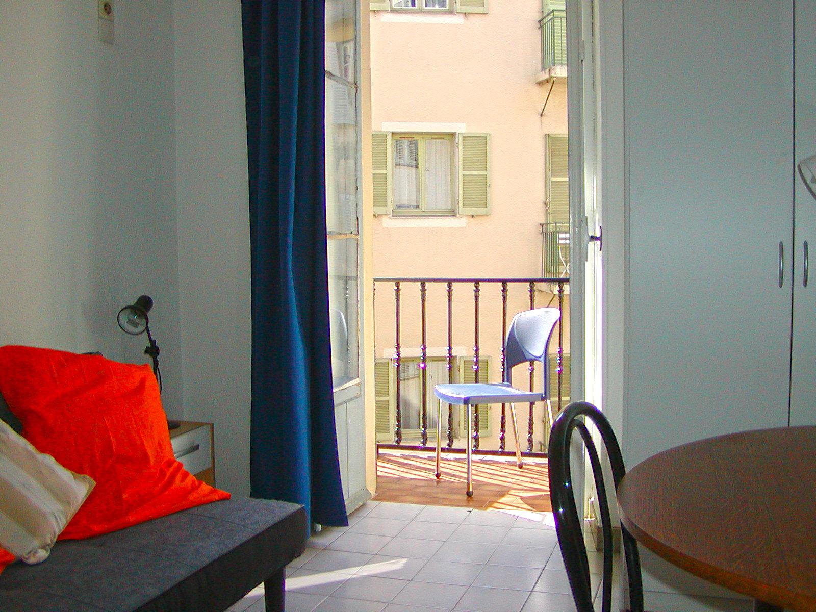 Nice - 3 studios - Proche place Masséna et coulée verte