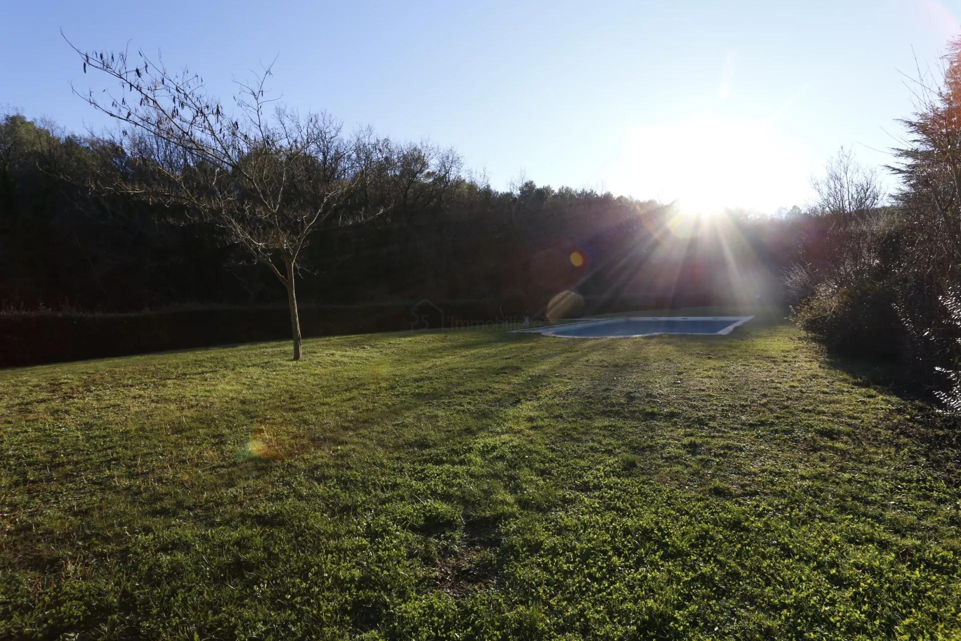 BASTIDON PROVENÇALE - 4 Pièces, Jardin, Piscines, Tennis, Golf