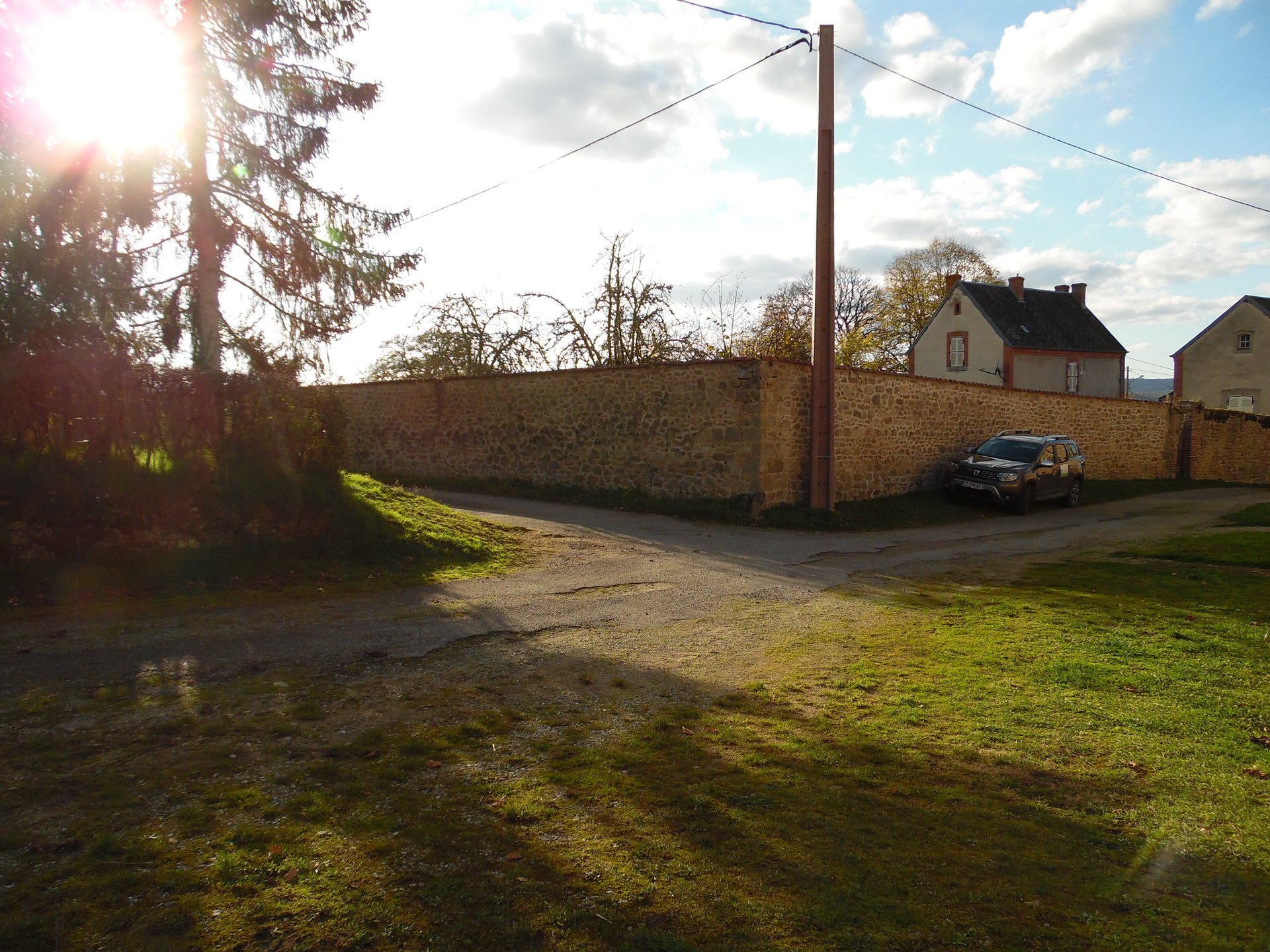 For sale in the Creuse, beautiful barn,  plot of 1000m²