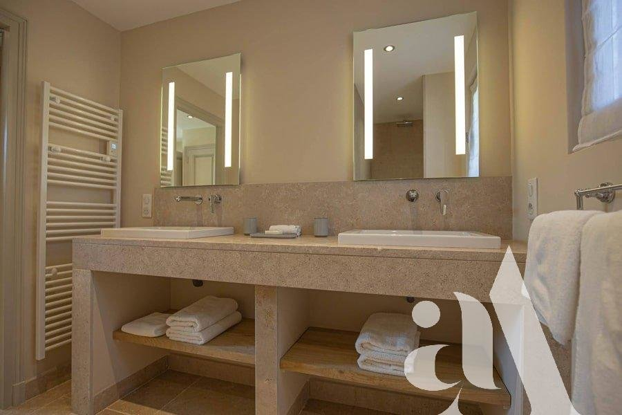 THE STONE MAS- EYGALIERES-ALPILLES- 5 bedrooms- 10 peoples