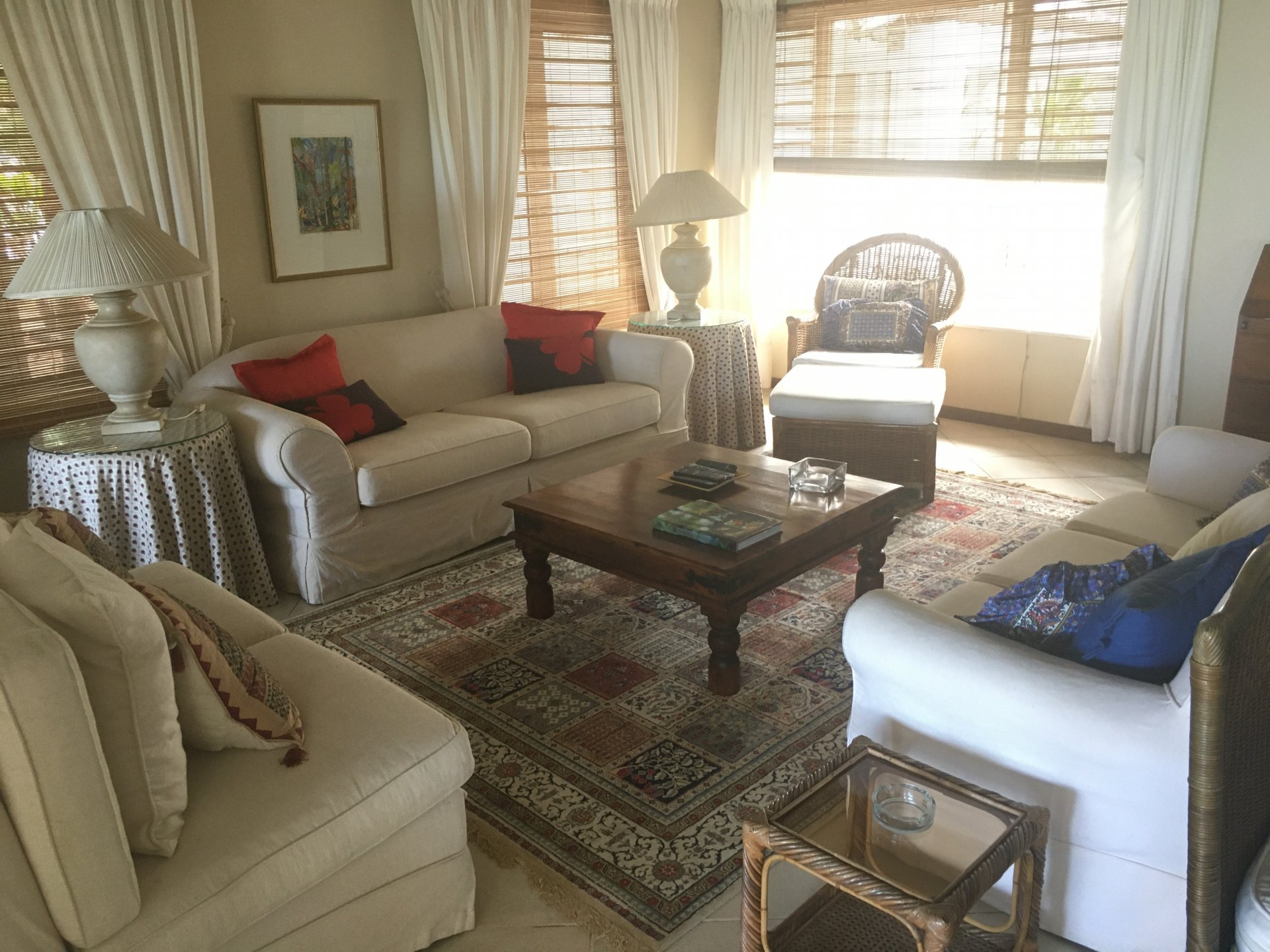 Fully furnished 4bedroom seafront villa for rent