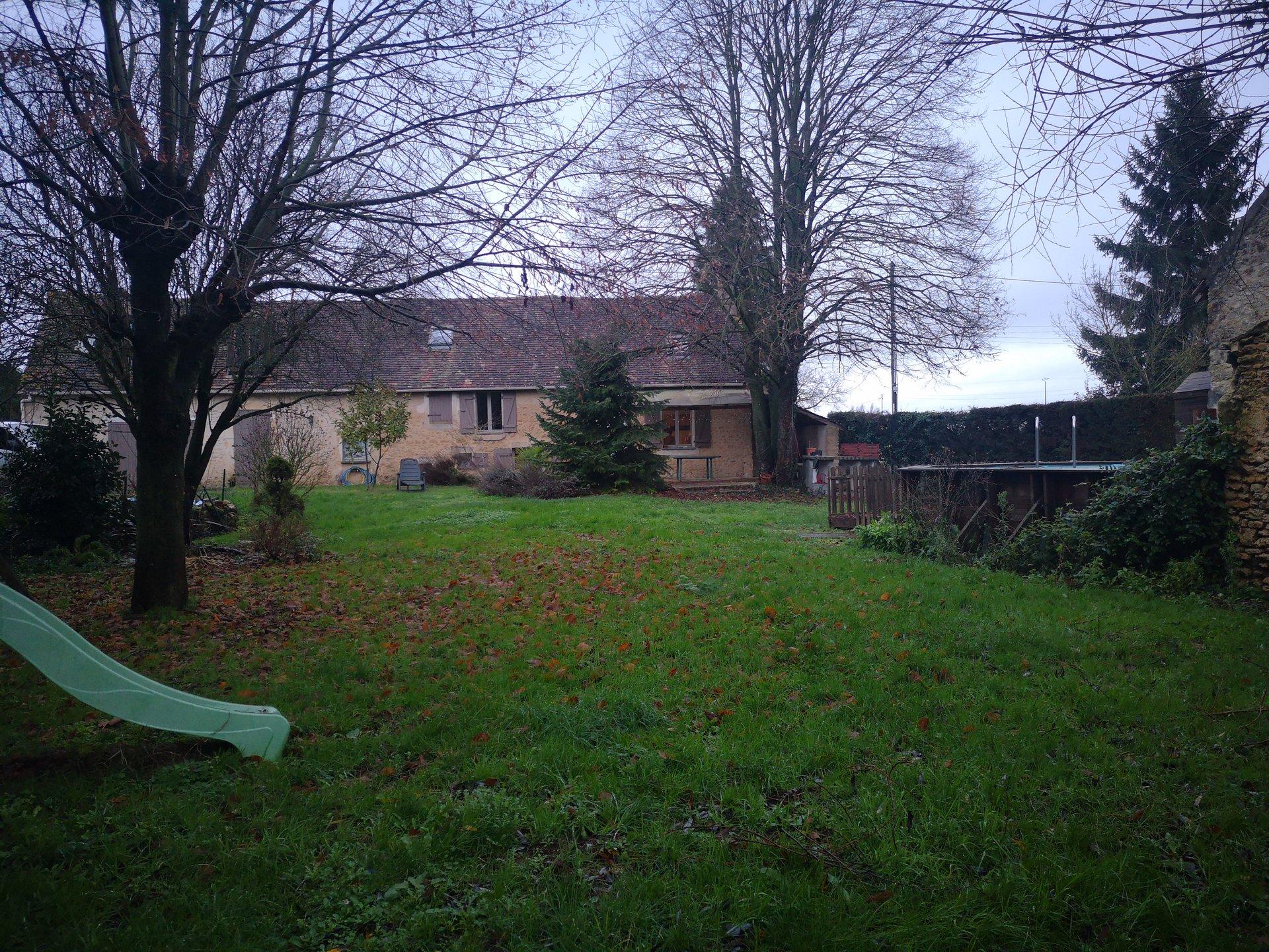 Maison en pierre de 141m² sur 1047m² terrain