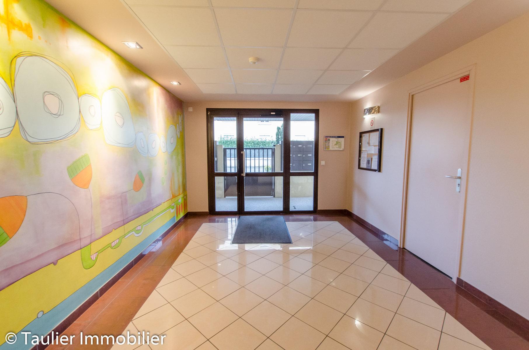 ST MARCELLIN - T3 Dernier étage avec ascenseur