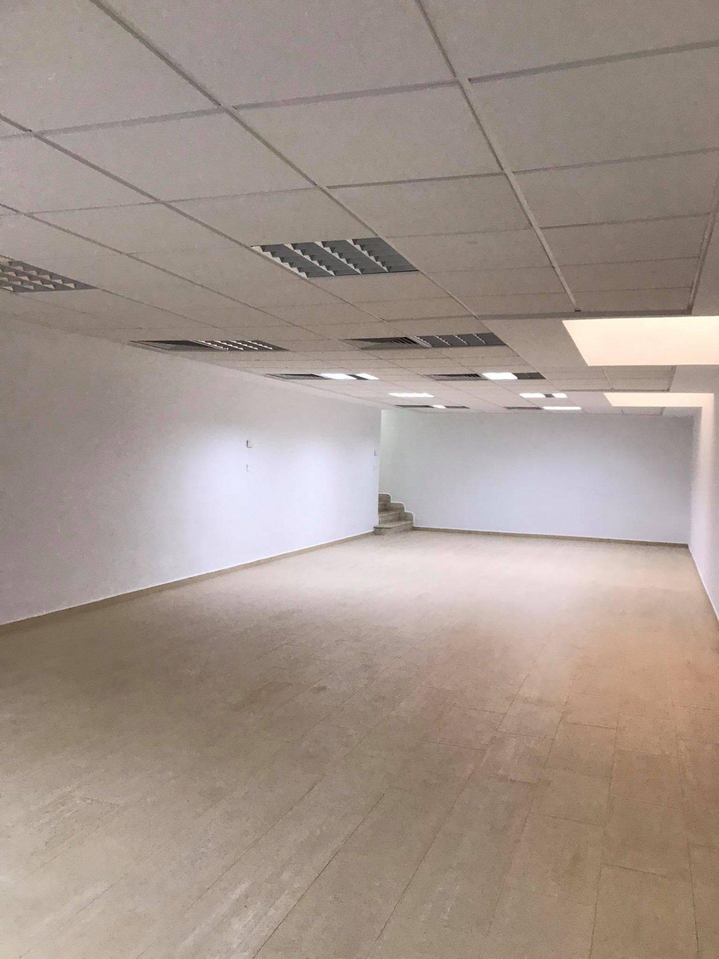A louer bureau 255m² haut standing lac 1