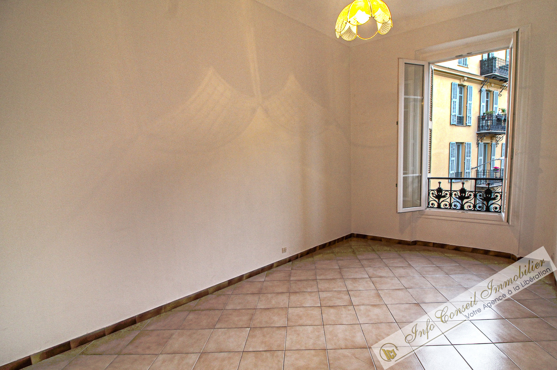 COEUR LIBERATION - Emplacement n°1 - 3P Balcon - 199.000 €
