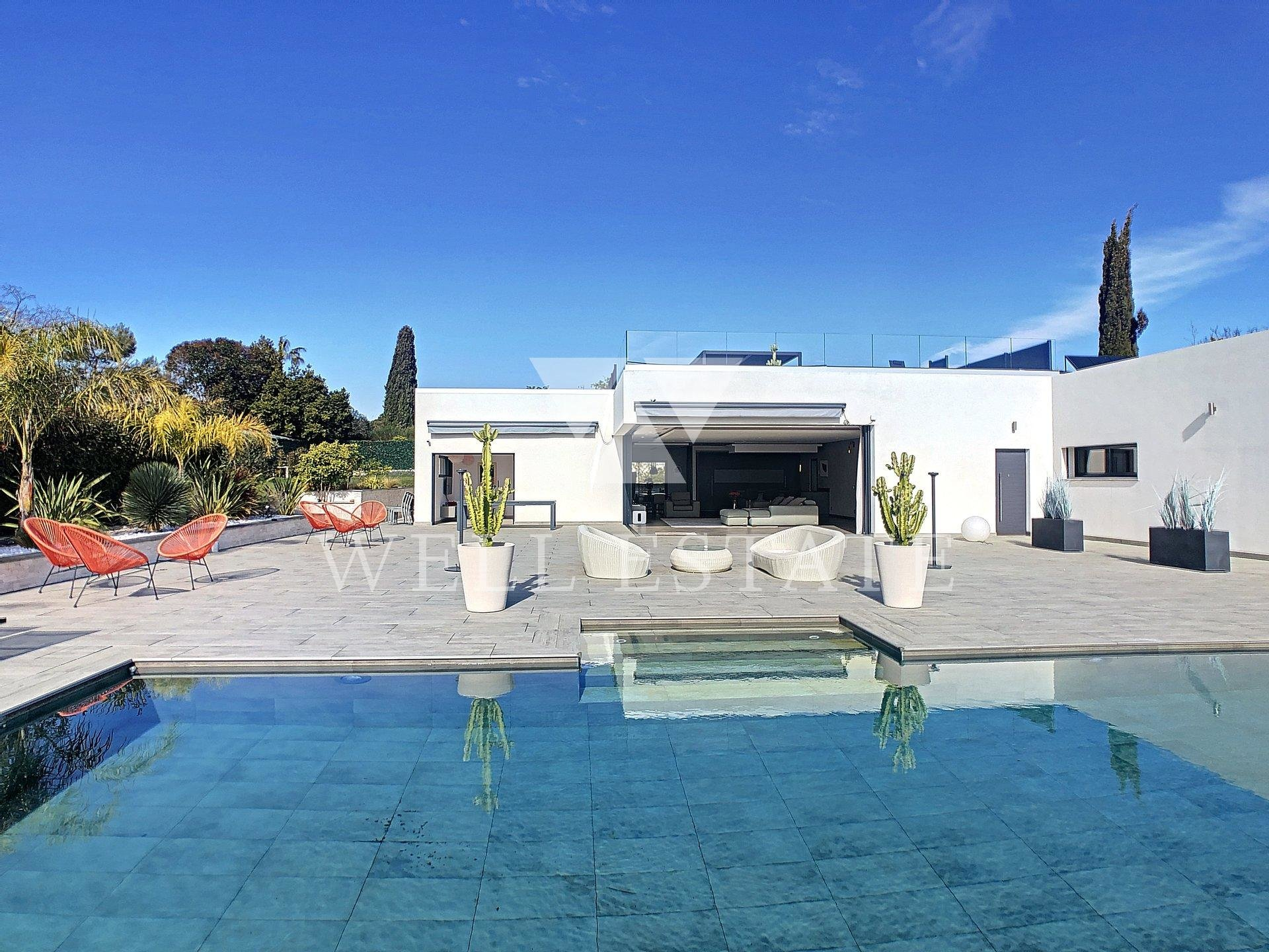 ANTIBES ROOF TERRASE VILLA 257M2 4 BEDROOMS SEA VIEW SWIMMING POOL