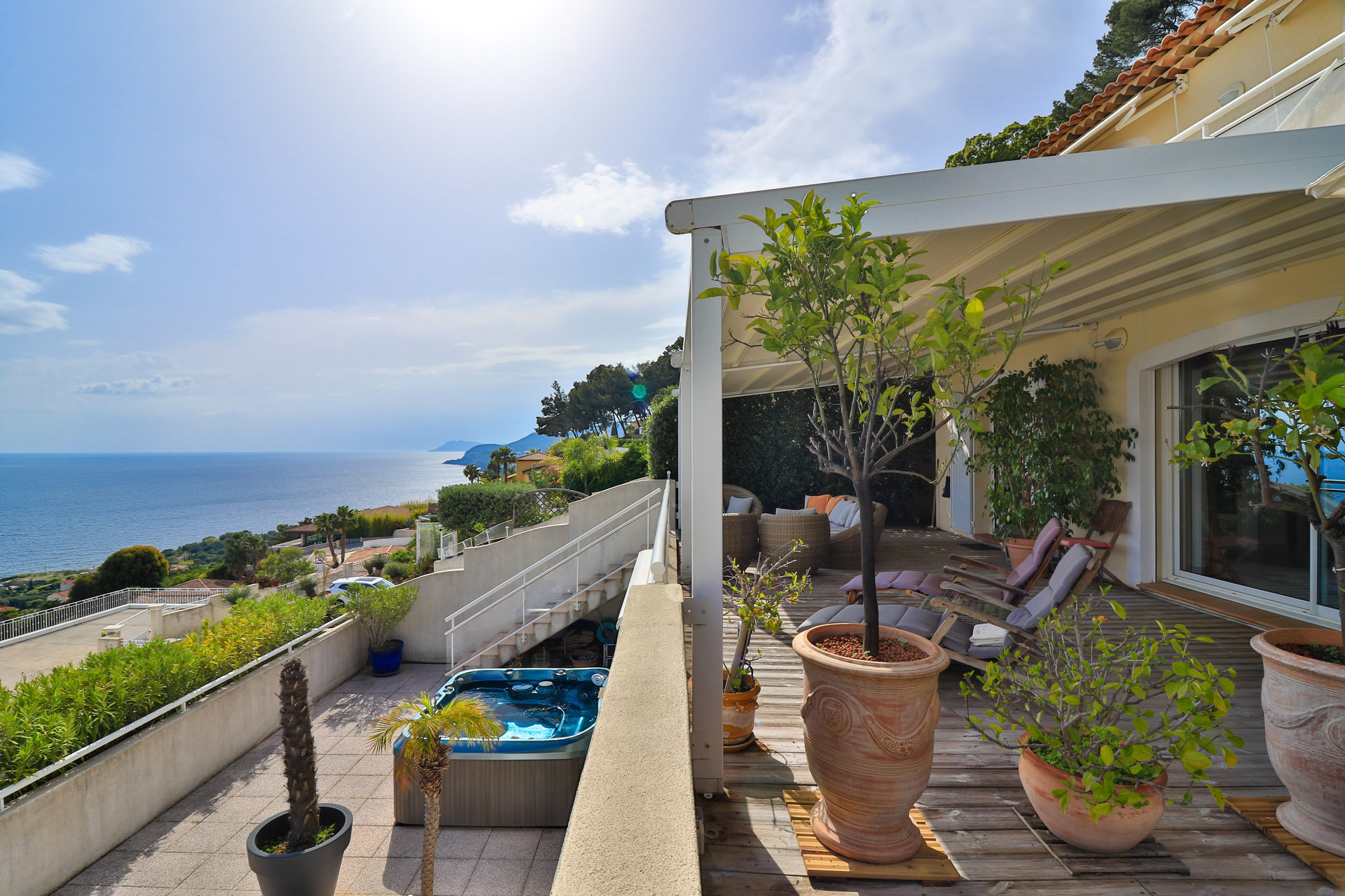 3 bedroom penthouse for sale in Carqueiranne
