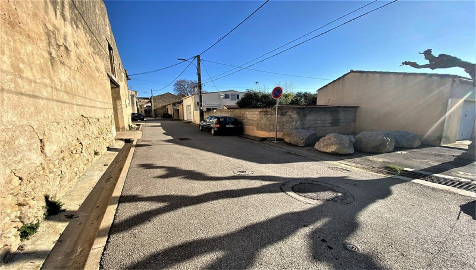 Village house with pool near Narbonne