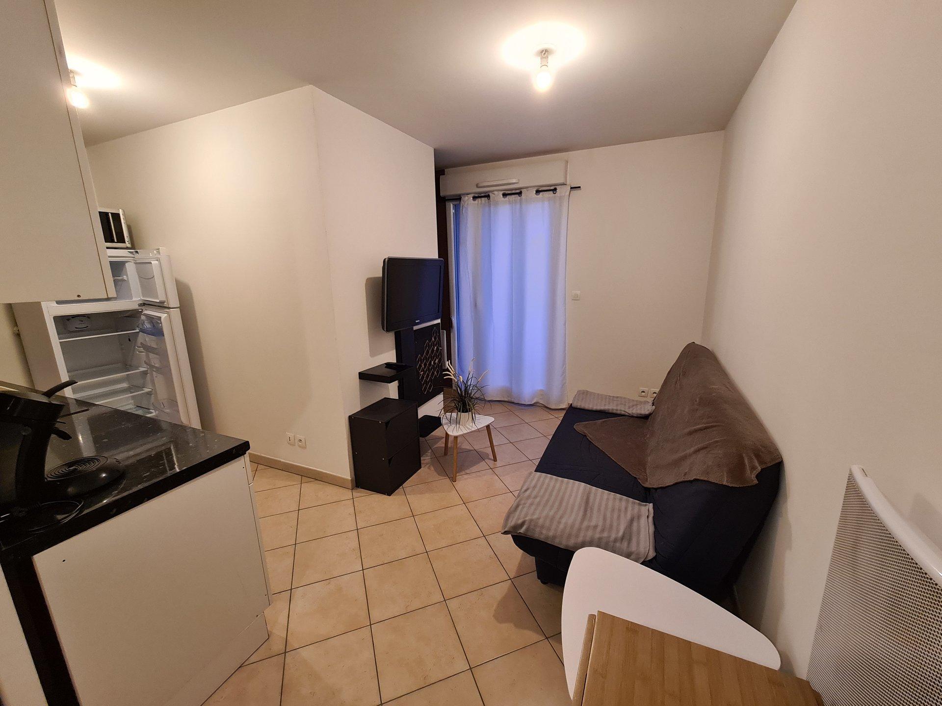 VIENNE NORD, Appartement T1 bis de 26,27m² avec balcon et Garage