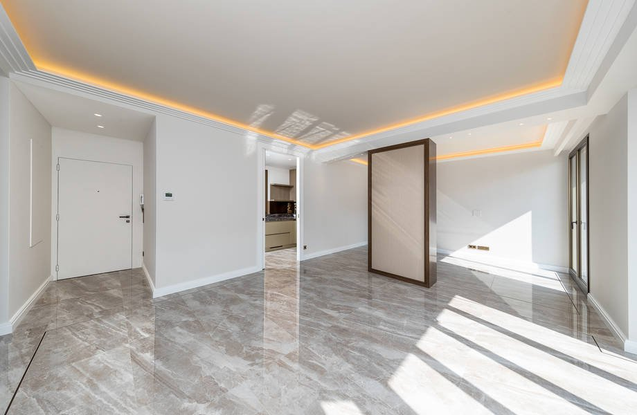 Winter Palace - Renoviertes Vier Zimmerapartment
