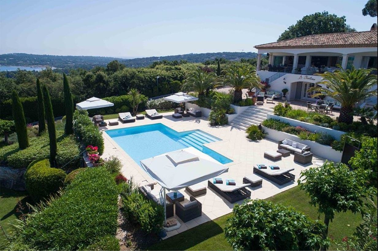 MAGNIFICENT PROPERTY WITH WEA VIEW