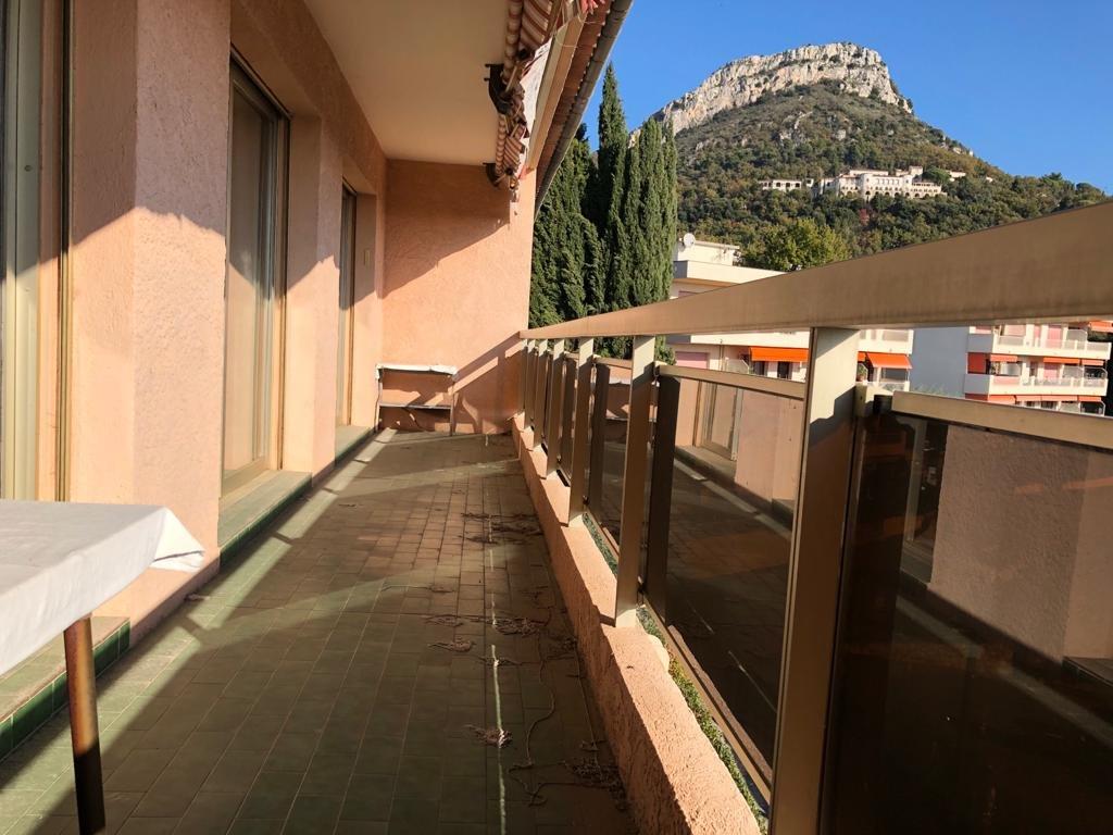 VENCE - 2 Bedrooms Terrace