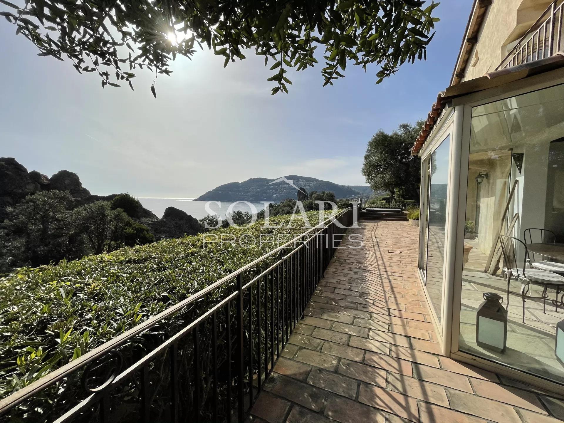 Villa - Walking distance to beaches