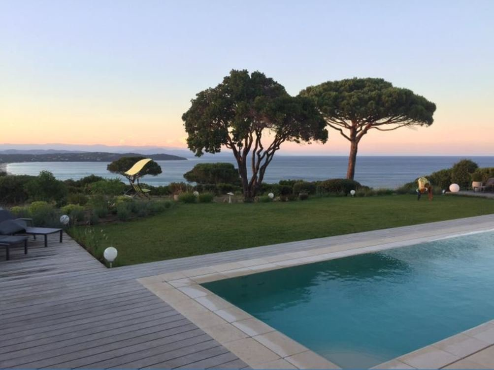 PROPERTY OF THREE VILLA WITH SEA VIEW