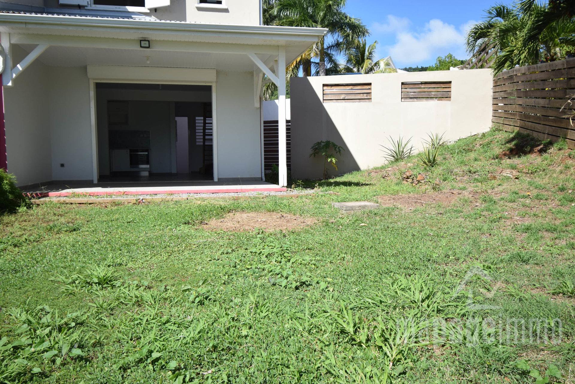 Vends maison T3 avec jardin, Le Robert