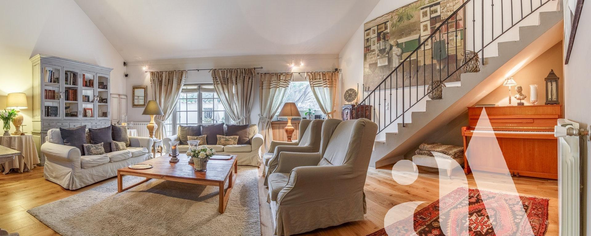 LAURE HOUSE - BOULBON - ALPILLES - 6 bedrooms - 10 people