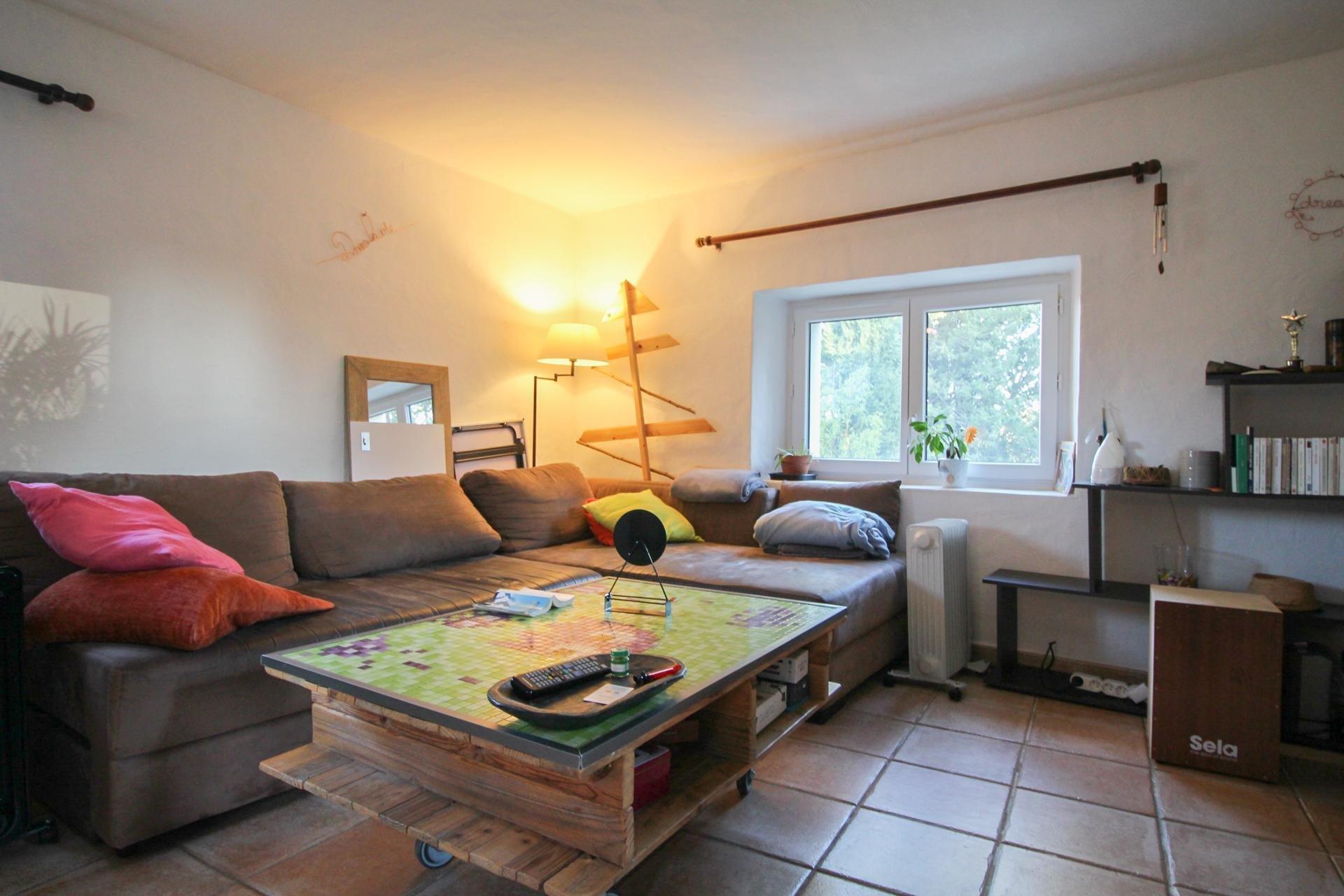 FAYENCE - Stone sheepfold + house on 5000 m² land