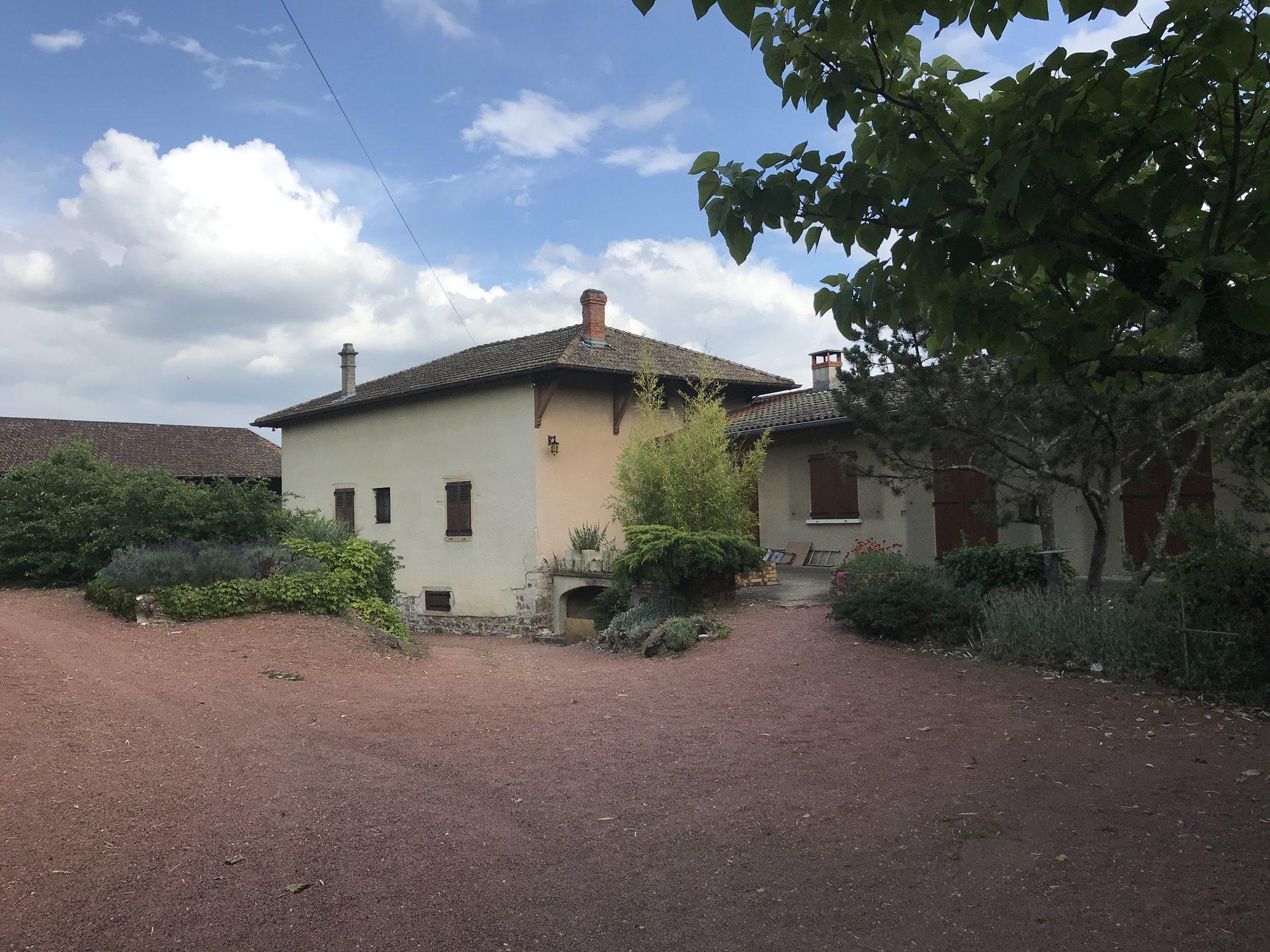 Maison  à Saint Etienne des Oullières