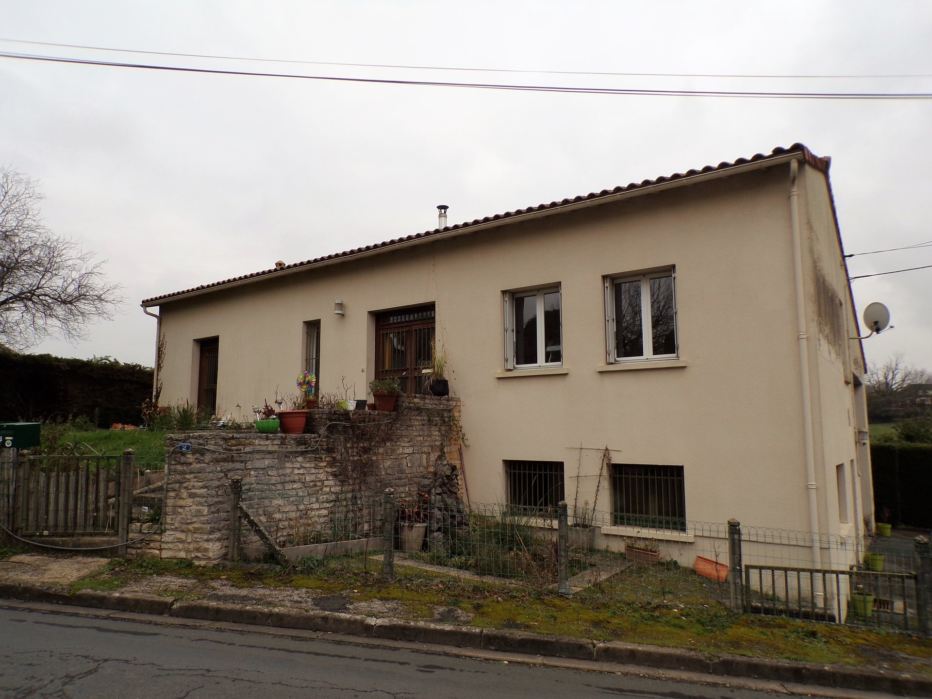 Town house in Charroux