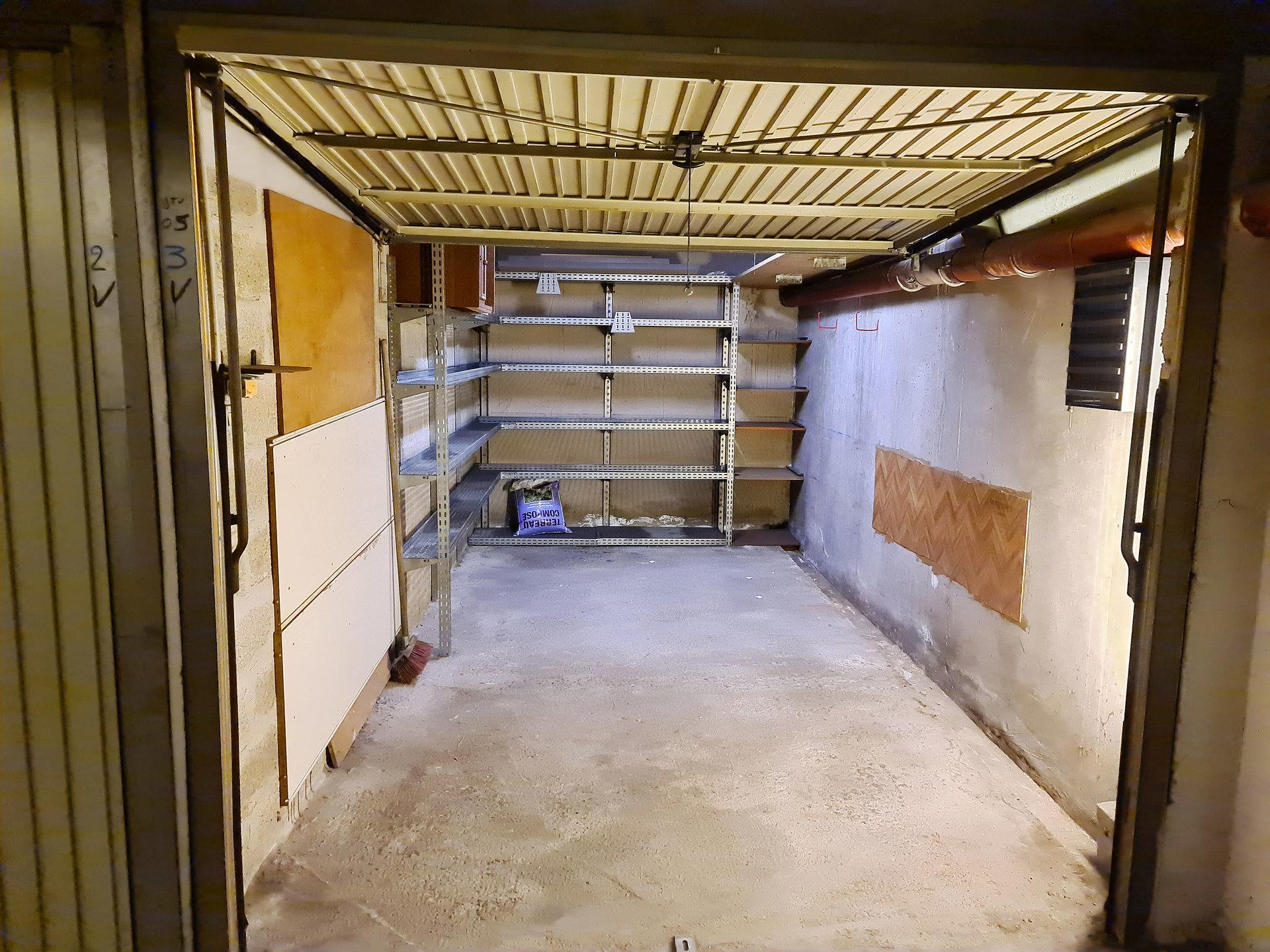 VESPINS 2 Pcs Jardin Garage 750 € cc