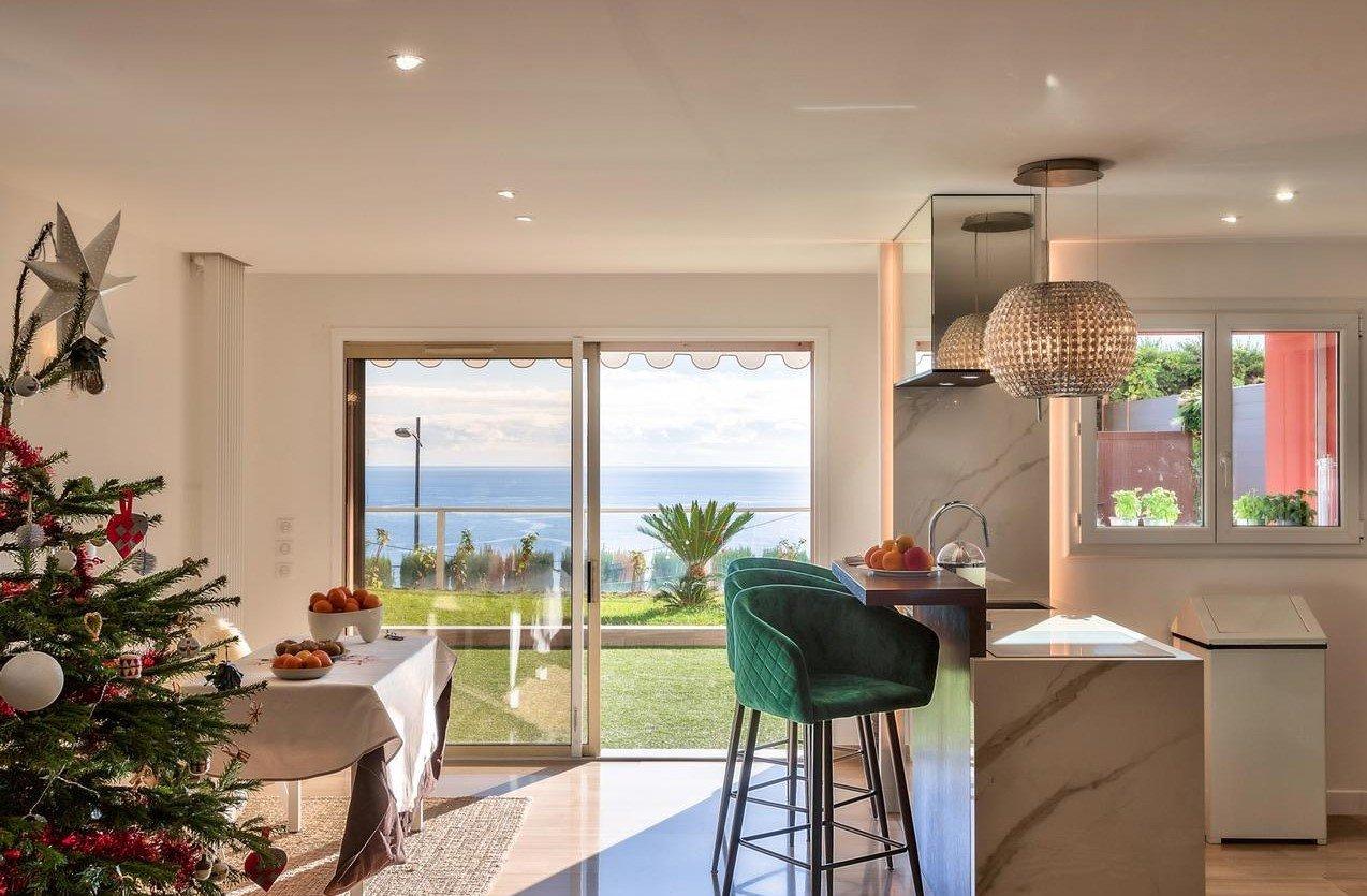 Exceptionell 3:a med terras med havsutsikt : Roquebrune Cap  Martin