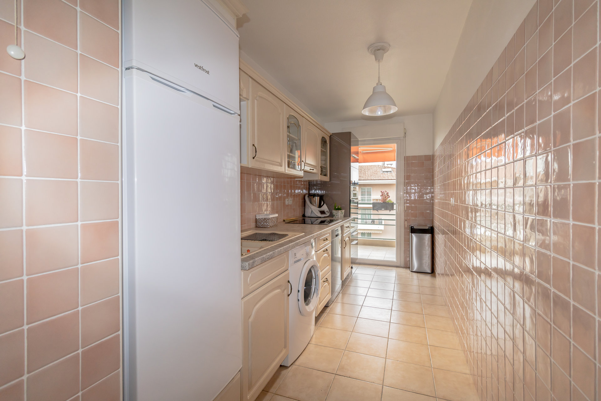 Saint-Laurent-du-Var, 2-bedroom flat with terrace seaview & garage