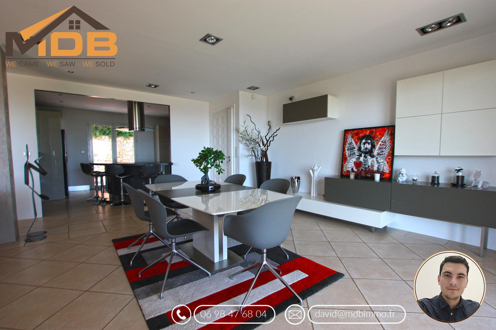 Maison individuelle - Vue mer - Piscine - 5 pièces - 163m²