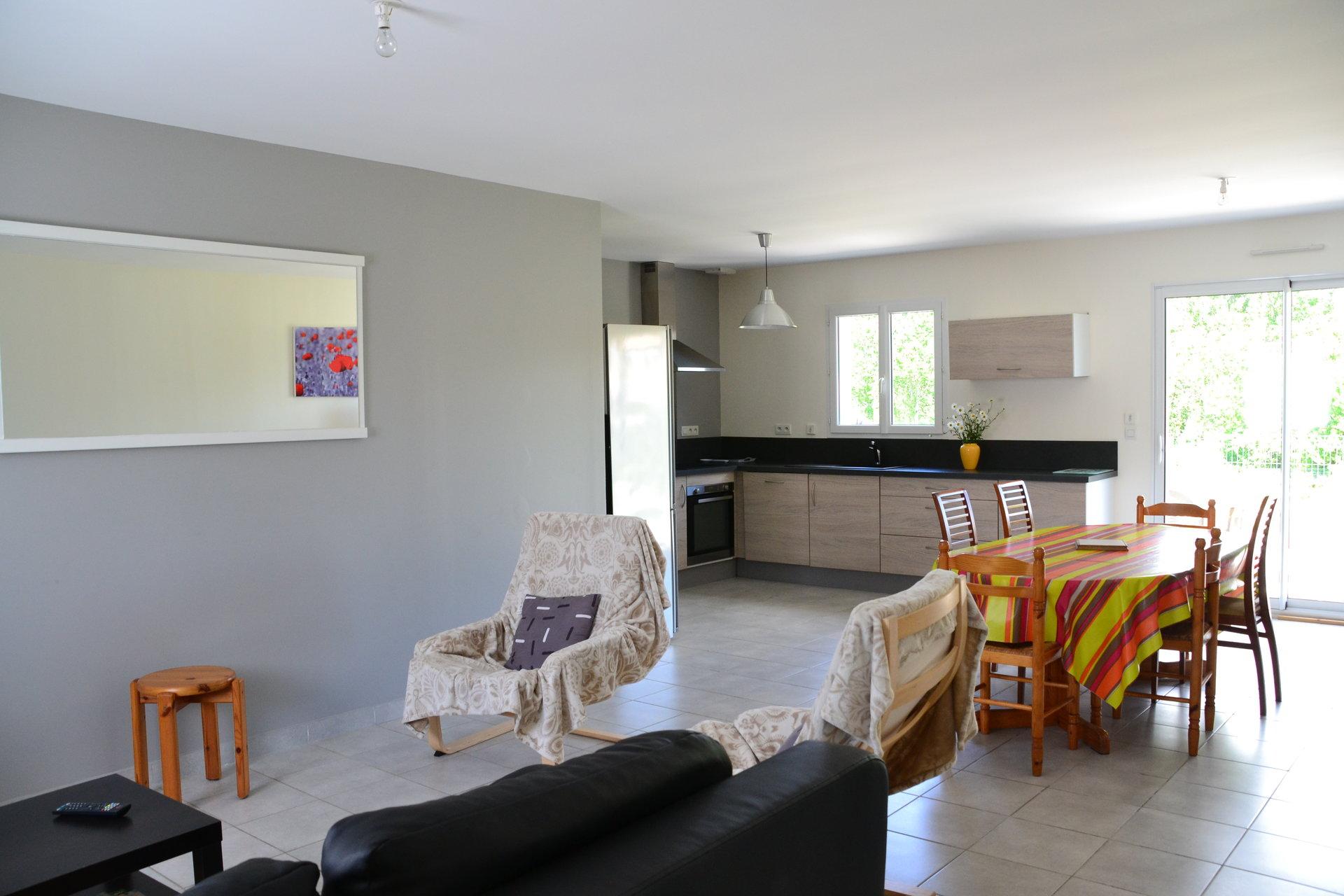 Villa récente de plain-pied offrant 3 chambres