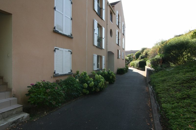 Sale Apartment - Saint-Chéron