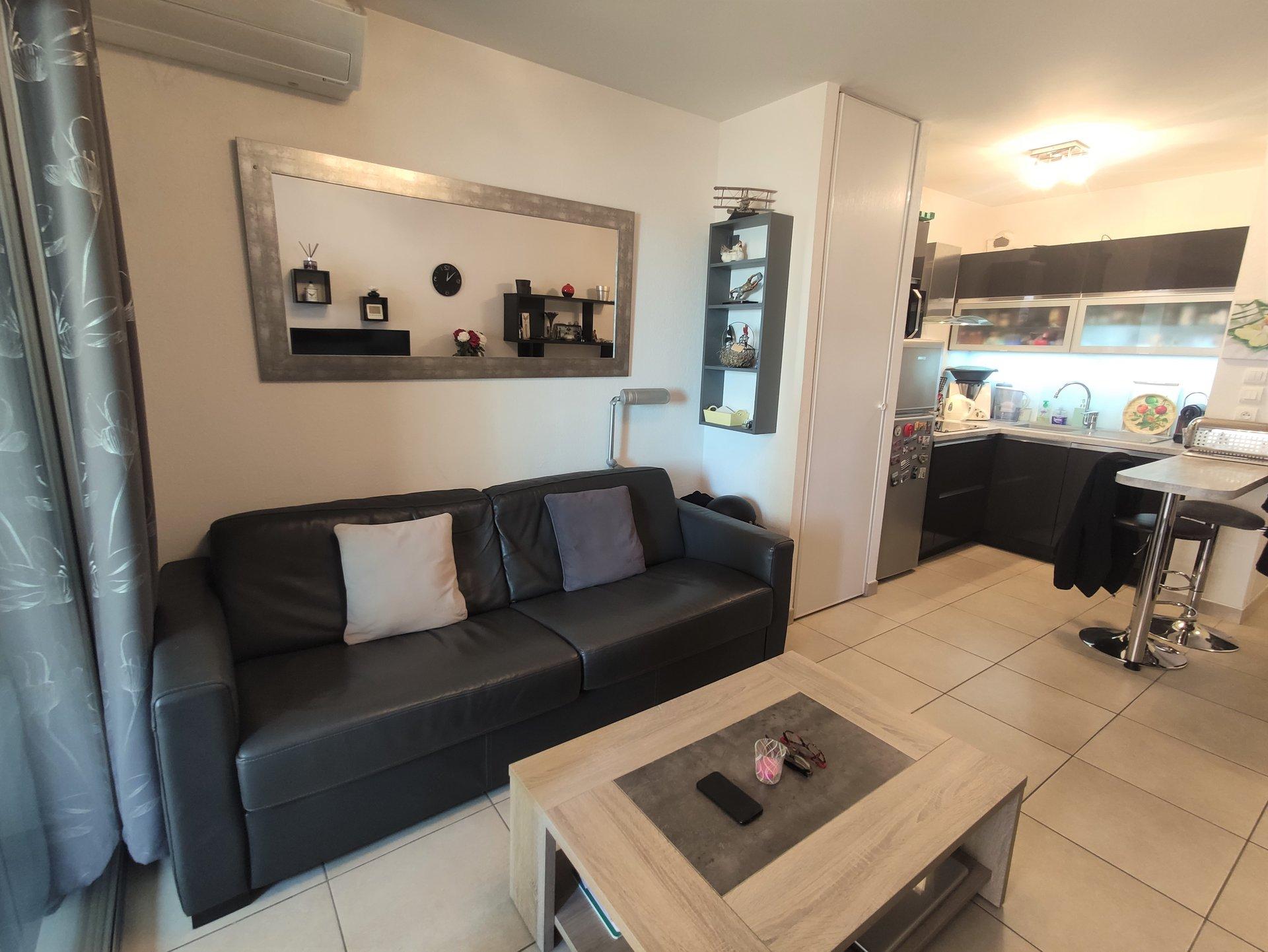 Studio neuf meublé au port de Golfe Juan